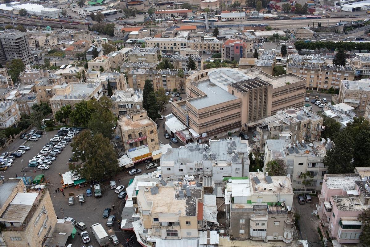 הקומה ה-18: תצפית פנורמית על הדר וחיפה